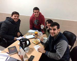 Grupos de estudio de la Biblia